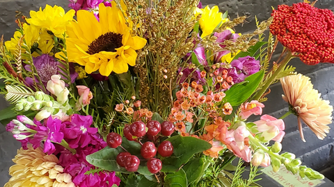 Enjoy the Rich Colors of Fall in Floral Arrangements