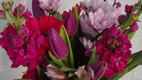 This Year, Make Your Valentine's Day Arrangement Extraordinary
