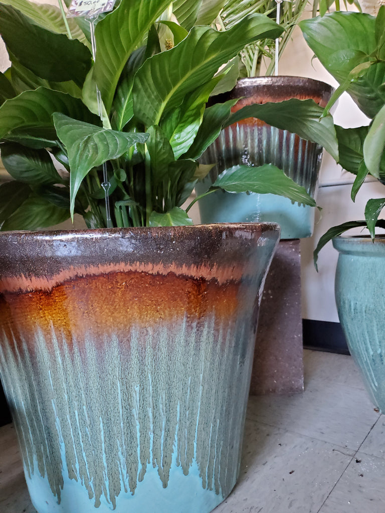 Delphine planter in blue and copper