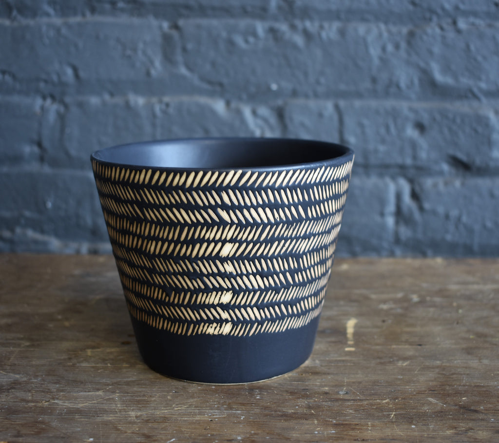 Nubia ceramic pot medium