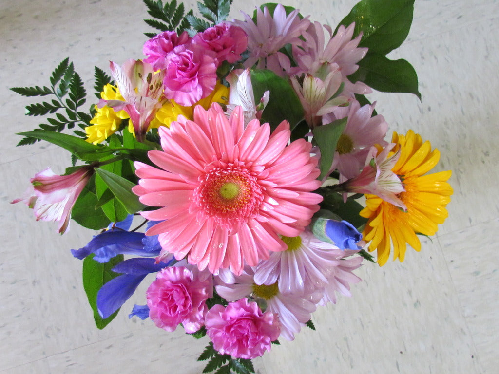 fresh flowers, Marquette, delivery