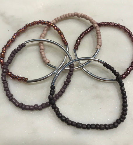 Five piece seed bead set with silver bar