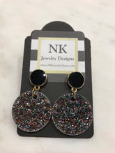 Load image into Gallery viewer, Round 1 inch tag earrings