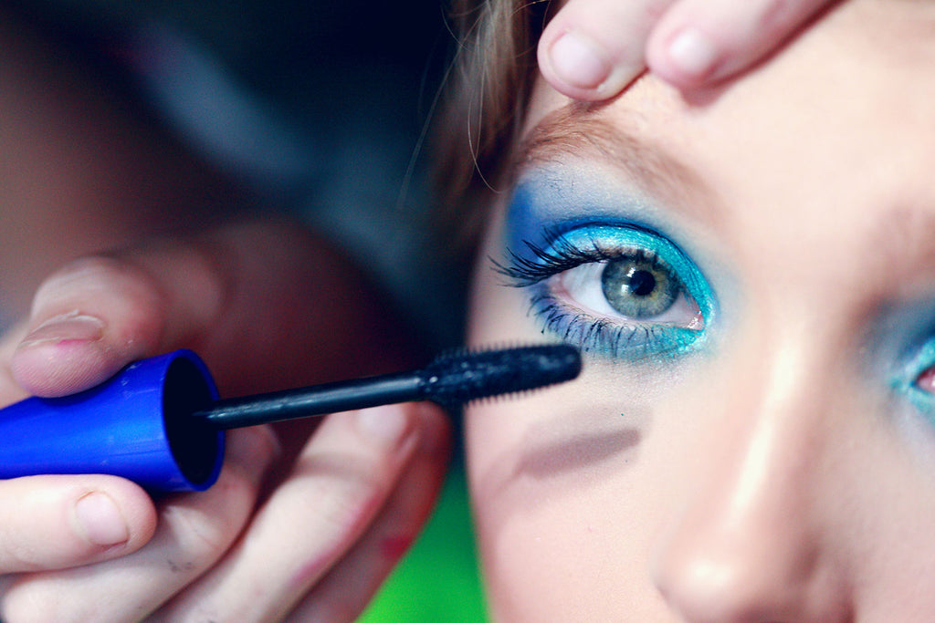9 Ways to Wear Neon Eye Makeup
