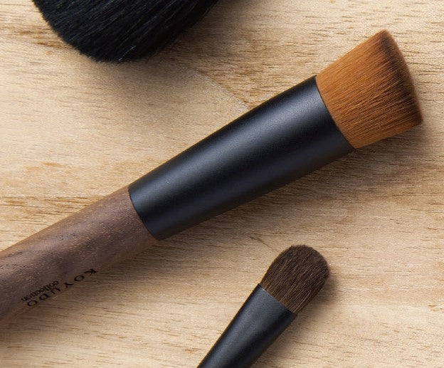 Koyudo HAZEL foundation brush Kinomi Series