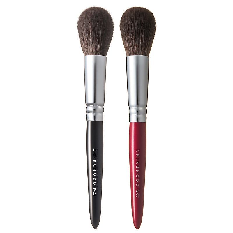 Chikuhodo Cheek Brush, Regular Series (R-C2 Black, RR-C2 Red)
