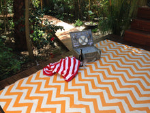Load image into Gallery viewer, Outdoor Rug - Sparta Orange & White