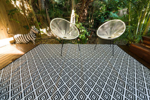 Outdoor Rug - Diamond Black and White