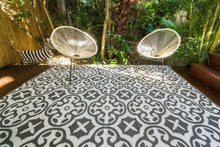 Load image into Gallery viewer, Outdoor Rug - Lisboa Grey