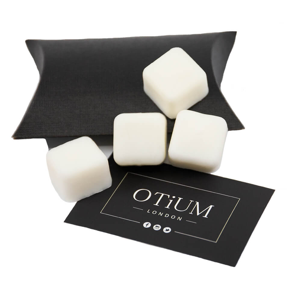 Peony & Oud Scented Soy Wax Melt from Otium Candels