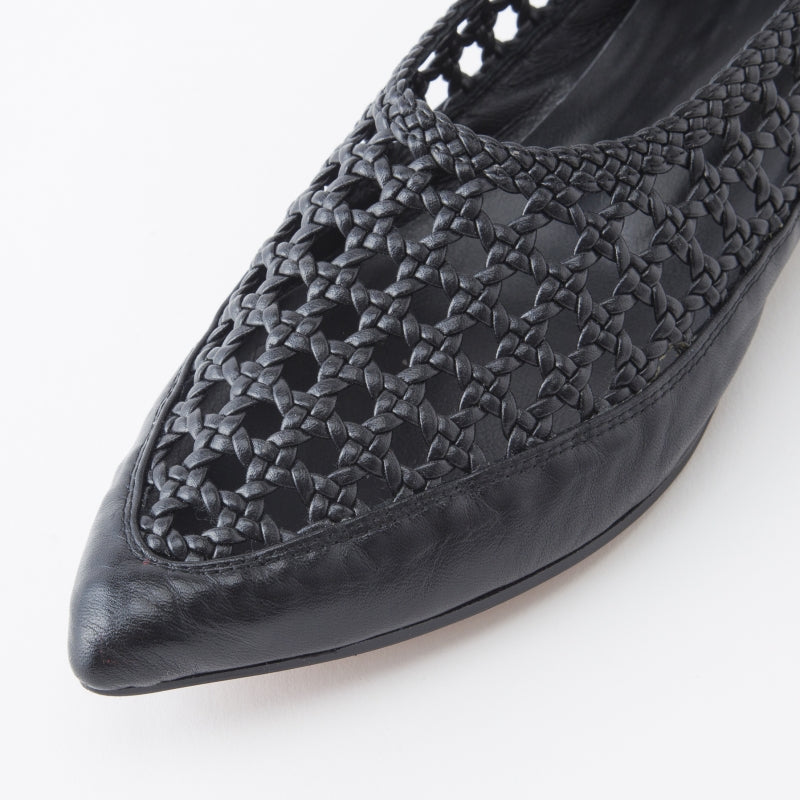 [SALE] SEA Mesh Pointed Flat Shoes