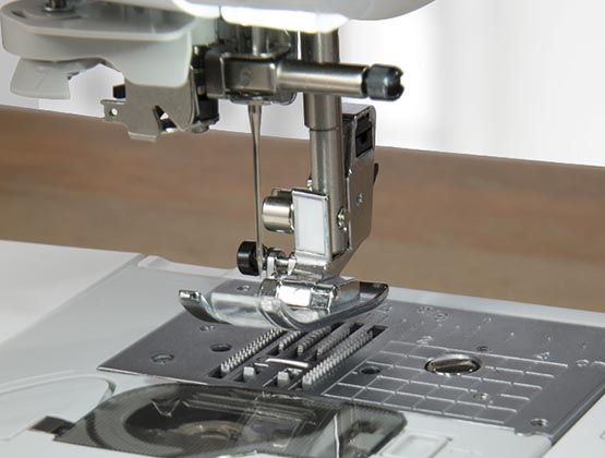 Brother Innov-ís 80 Project Runway | Sewing Machine