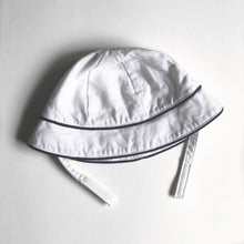 Load image into Gallery viewer, White & Navy Bucket Hat
