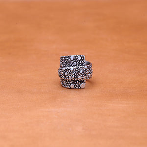 OVERLAP LIZARD PATTERN RING (WHITE)