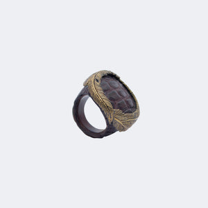 RING WITH FEATHER CROWN (BROWN)