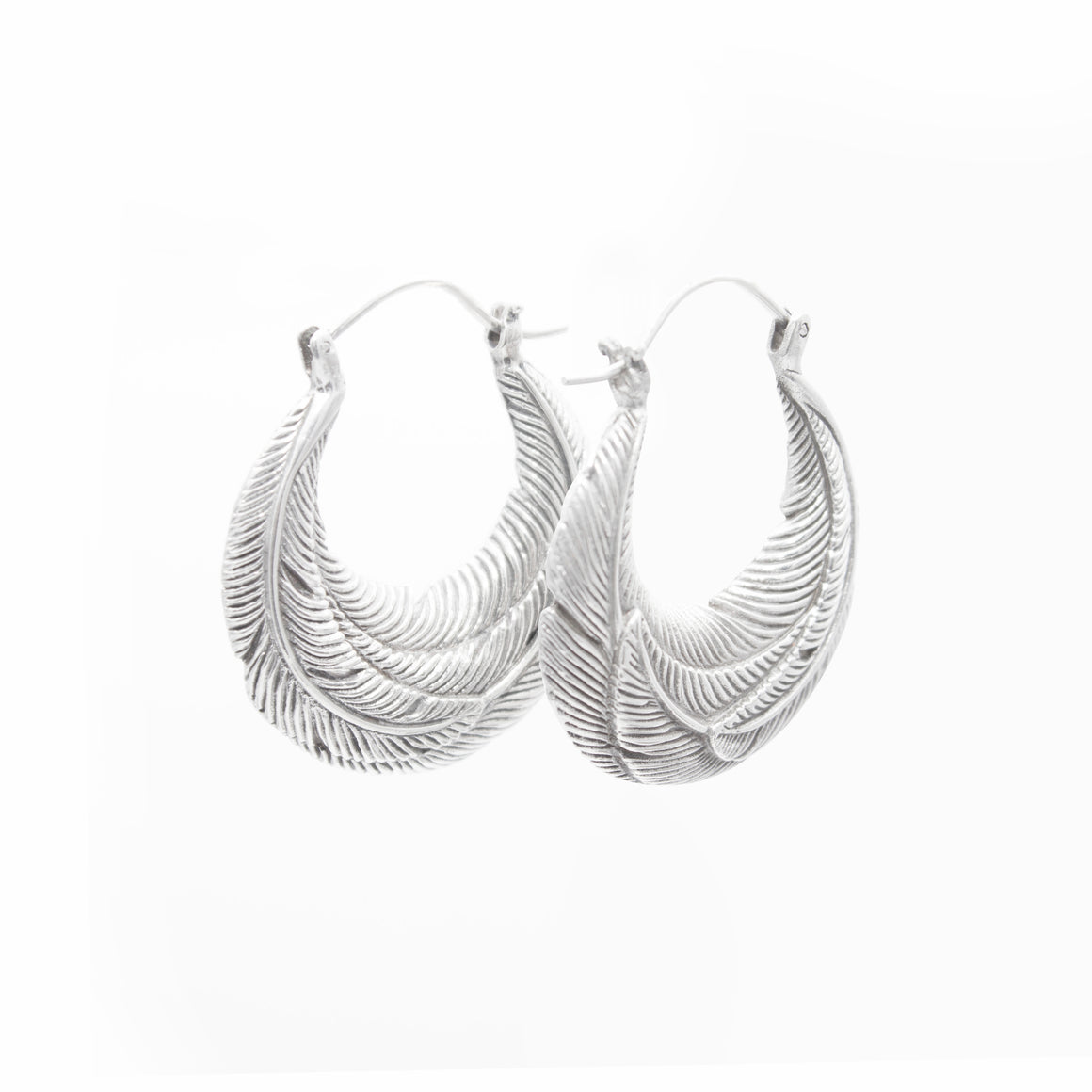 SMALL STERLING SILVER ROUNDED FEATHER HOOP EARRINGS
