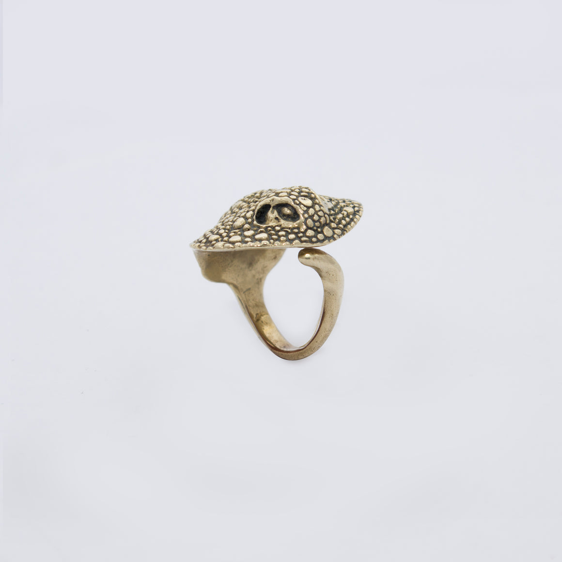 YELLOW BRASS STINGRAY RING