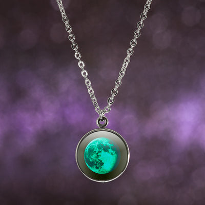 Waning Gibbous I Luna Necklace