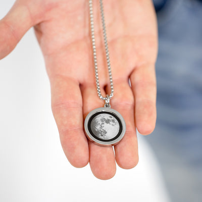 Waxing Crescent II Gravity Necklace