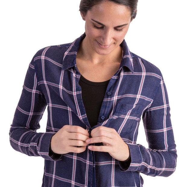 woman wearing a womens black merino wool 180 base layer top underneath a flannel