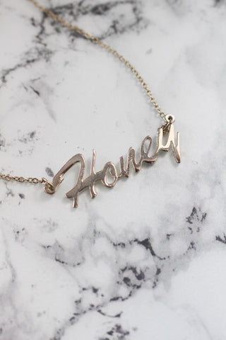 HONEY Name Necklace in Silver