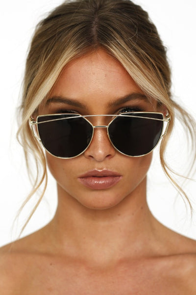 Honey Couture KOURTNEY Black & Gold Sunglasses