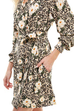 Load image into Gallery viewer, BANDED SHORT | LEOPARD FLORAL