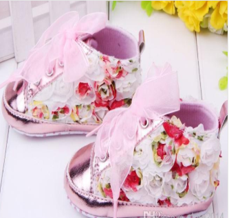 Soft bottom first walking shoes for baby girl