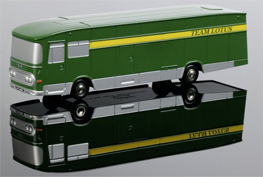 Schuco Piccolo SMTC Race Transporter Team Lotus