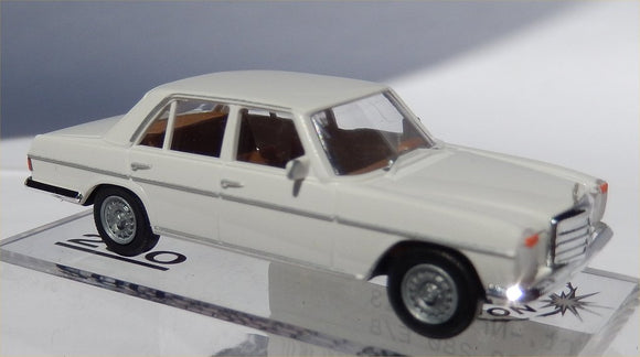 Brekina Mercedes Benz 280 E/8 white