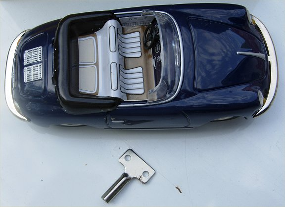 Blechtrommel Porsche 356 Wind Up Tin  Blue