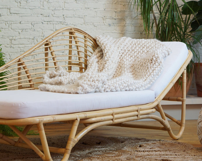 white soft cream chunky knit throw blanket - picnic