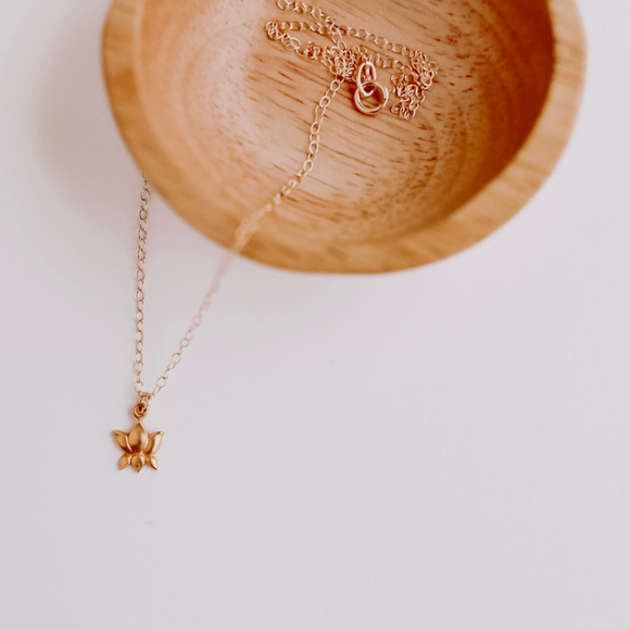 Lotus Ohm Necklace