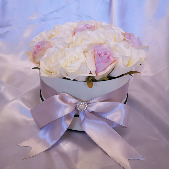 Blooming Essentials Ltd Artificial Luxury Pink and Ivory Rose Hat Box