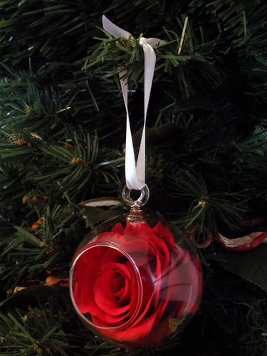 Blooming Essentials Ltd Artificial Red Rose Bauble