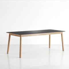 Pause Dining Table