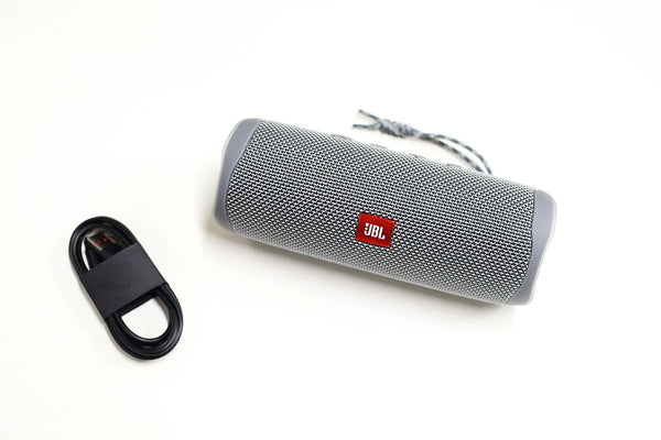 JBL Flip 5 Review included accessories