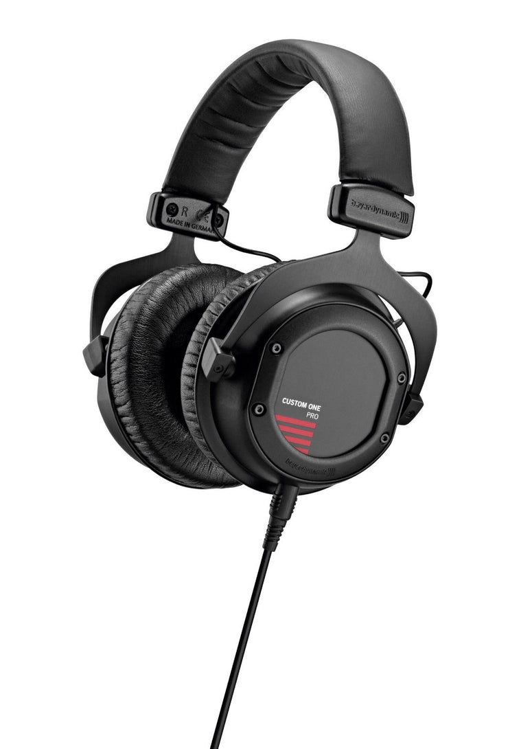 Beyerdynamic Custom One Pro Plus (Black) - Audio46