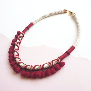 MAROON POMMIE NECKLACE