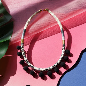 BLACK POMMIE NECKLACE