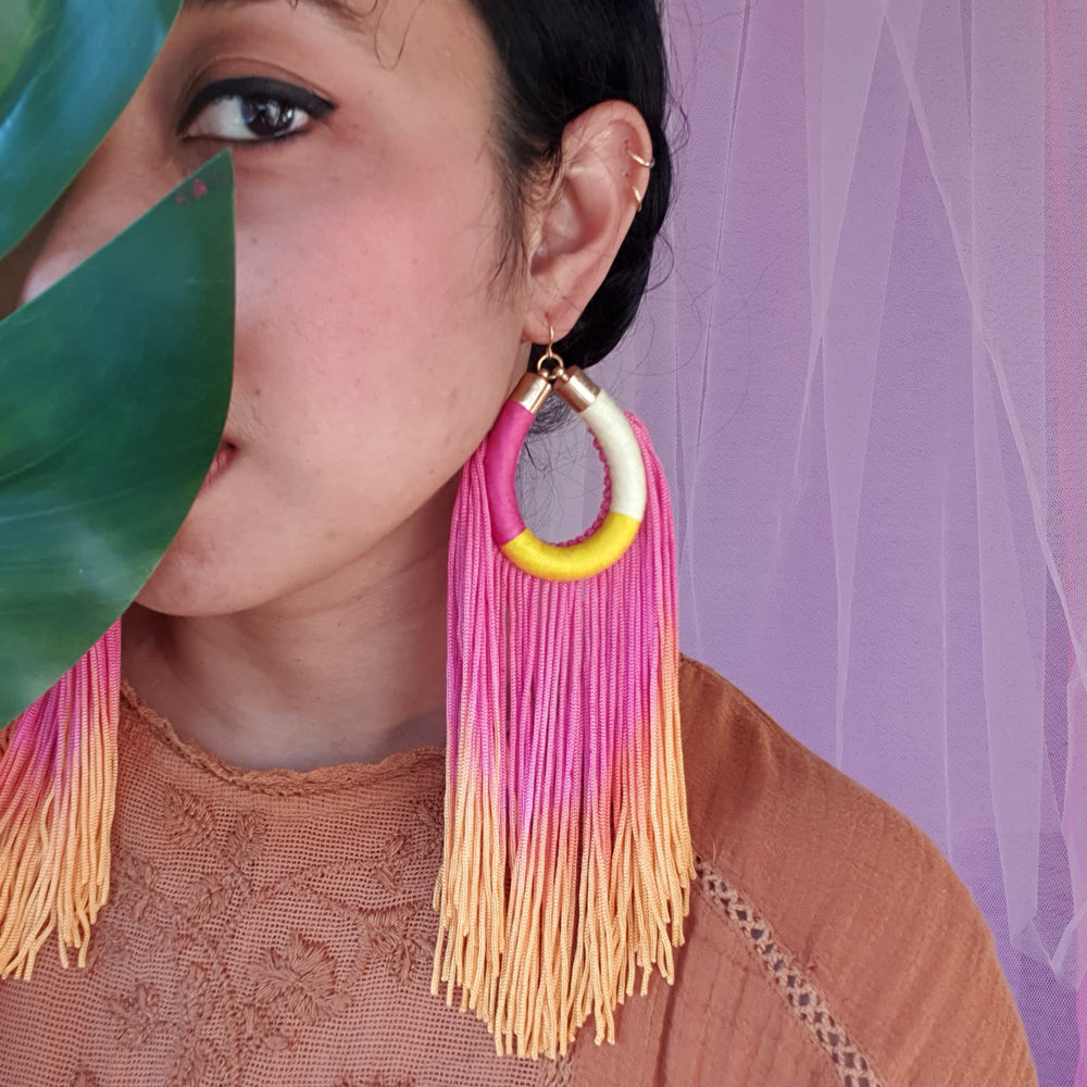 Load image into Gallery viewer, CHILLI TASSEL EARRINGS