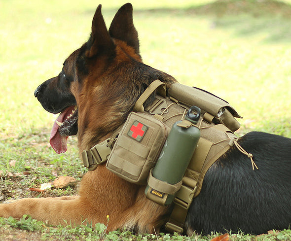 Military No-Pull Tactical Dog Harness With 3 Side Bags