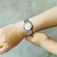 Load image into Gallery viewer, Jean Alexis Luxury Watch LT JA014 White Dial (Wanita) Silver Hands.