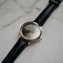 Muat gambar ke penampil Galeri, Christyan Arden LENORE CA3207 - Around The World Edition - Grey Sunburst Dial - Black Full Grain Strap (Wanita)