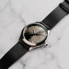 Load image into Gallery viewer, New Christyan Arden PEARCE CA3105 - Around The World Edition - Grey Sunburst Dial - Black Full Grain Strap (Pria)
