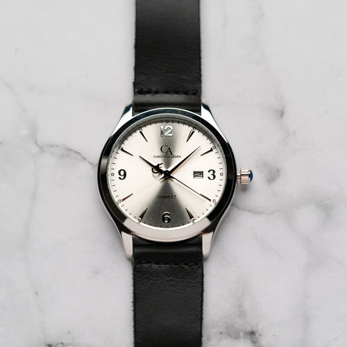 New Christyan Arden PEARCE CA3105 - Around The World Edition - Silver Sunburst Dial - Black Full Grain Strap (Pria)