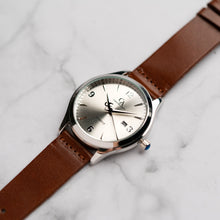 Load image into Gallery viewer, New Christyan Arden PEARCE CA3105 - Around The World Edition - Silver Sunburst Dial - Brown Full Grain Strap (Pria)