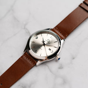 New Christyan Arden PEARCE CA3105 - Around The World Edition - Silver Sunburst Dial - Brown Full Grain Strap (Pria)