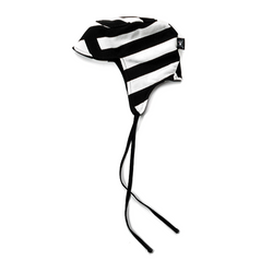 Striped Shapka Hat - WORLD OF MONOKROME