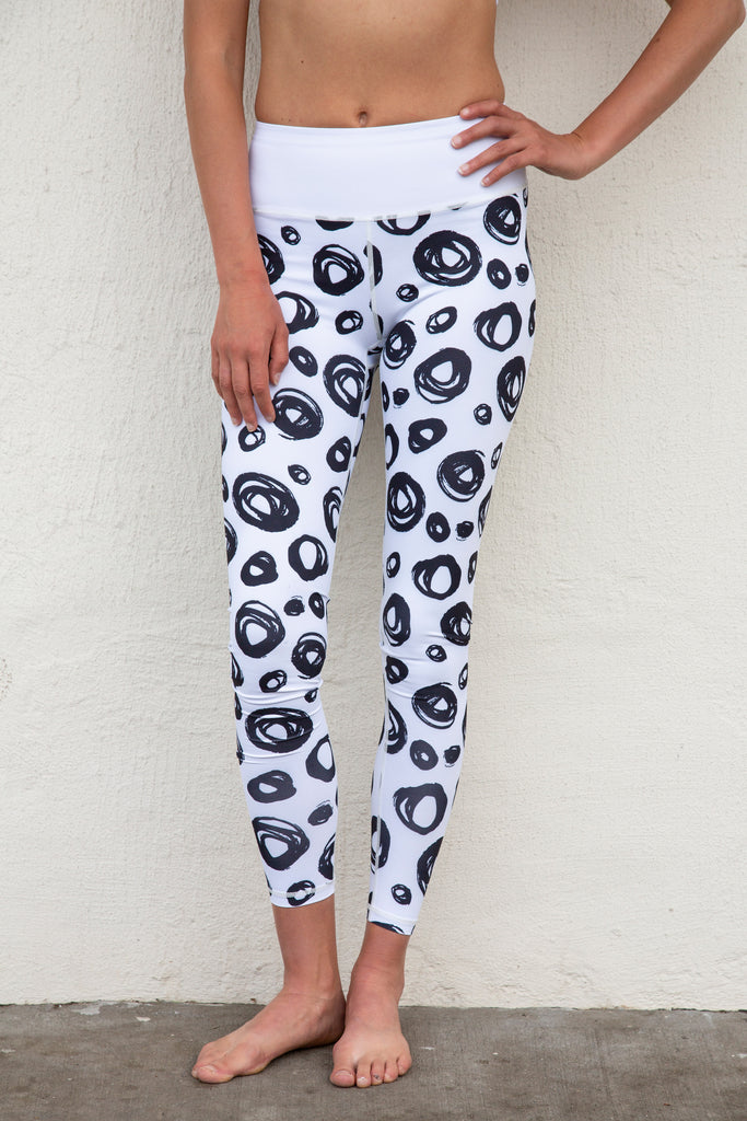 Citta Yoga NYC - Circle of Love Collection - High-Waisted Leggings - White